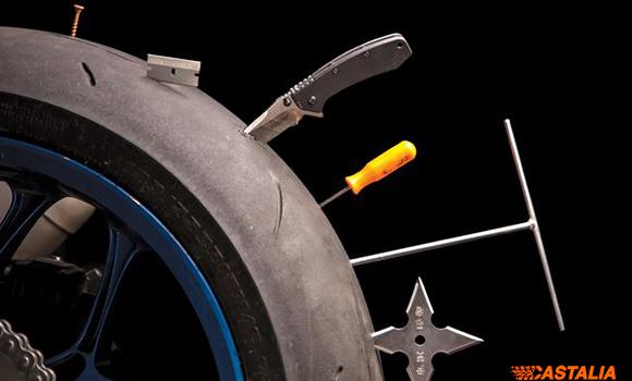 rueda moto con pinchos